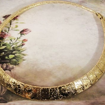 "1980s Authentic Unsigned Sarah Coventry ""Mural"" Etched Gold Tone Choker Necklace Collar"