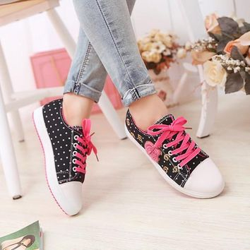 Black Round Toe Flat Sequin Floral Print Casual Canvas Shoes