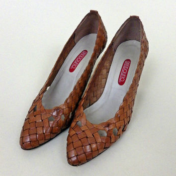 1970s Ladies Wicker Shoes // Brown Lattice Design // Pointed Toe // Size 8