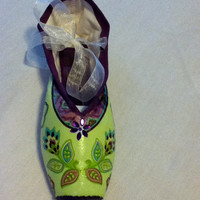 Irish Jig ... Decorated Pointe Shoe