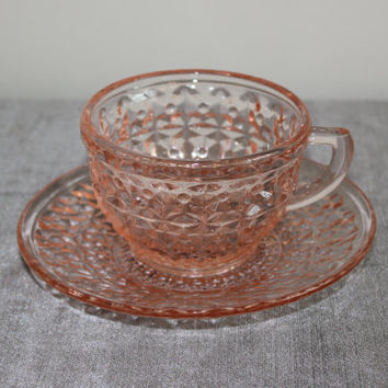 Pink Depression Glass Jeanette Holiday Buttons & Bows Cups and Saucers (Set of 4) - Pink glass, vintage drinkware, teacups