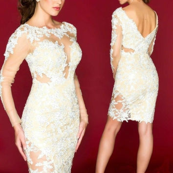 White Lace Short Cocktail Dresses with Long Sleeves 2017 Vestidos de coctel Knee Length Prom Dress Backless Arabic Party Gowns