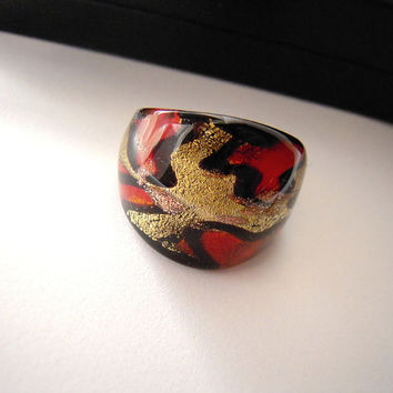 Red gold and black glass modern ring, abstract waves, size 7, unisex ring, new never used, ships from USA,dichroic glass style, fused glass.