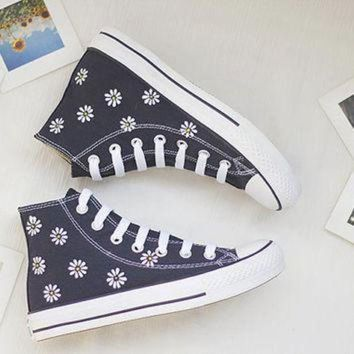 DCCK1IN hand painted shoes converse white flowers lovely floral cute dark blue little daisy