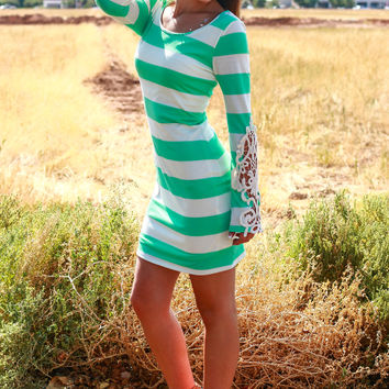PATH TO LOVE DRESS IN MINT