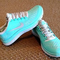 NIB NIKE WOMENS FREE RUN 3.0 V4 Tropical TWIST BLUE SIZE 6.5 Running Shoes