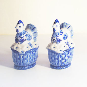 Porcelain Salt and Pepper Shakers, Vintage Chicken Shaker Set, Holland Porcelain, Blue and White Porcelain, Hand Painted Delft