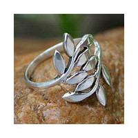 Sterling Silver 'Olive Branch' Wrap Ring (Thailand) | Overstock.com