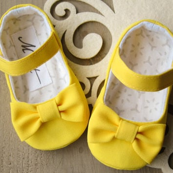 Yellow baby girl RUFFLE or BOW shoes, baby rhinestone shoes, vibrant yellow baby outfit, summer flats, baby accessories