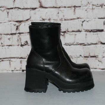 90s Chunky Boots US 6 Black Leather Maga Platform Heel Grunge Hipster Festival Minimalist Punk Goth Gothic Pastel Shoes Ankle distressed
