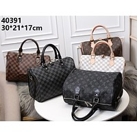 LV 2019 new women's simple and versatile handbag Messenger bag pillow bag