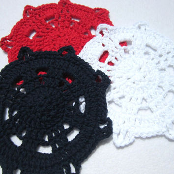 Crocheted Nautical Ship's Helm Dishcloths, Red White and Blue Dishcloths, Beach Theme Bathroom Decor, Cotton Wash Cloths