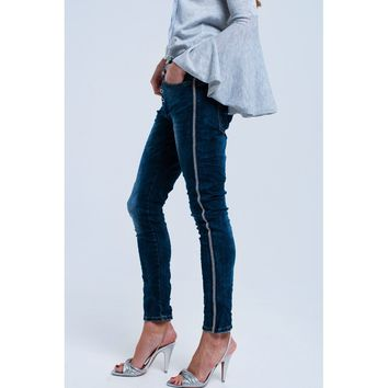 Boyfriend jeans with pearls details