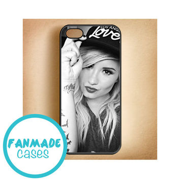 Demi Lovato hat iPhone 4/4s 5/5s/5c & iPod 4/5 Rubber Case