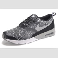 NIKE trend of fashion leisure sports shoes Gray  white point