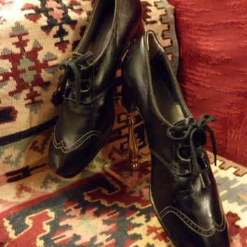SALE !!! Sz 11 INCREDIBLE 1940's New/Old Stock Black Leather Wingtip Oxford Spectator Pumps (dead stock)