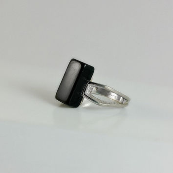 Black Onyx Ring - Silver and Black Onyx Ring Size 6 - Square Ring - Open Band Ring - Floating Stone Ring - Mod Ring - Minimalist Ring
