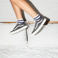 Old Skool Retro Sport Sneaker