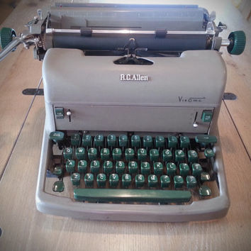 1954 RC Allen VisOmatic typewriter, grey and green cast iron typewriter, Grand Rapids MI antique