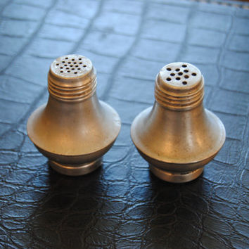 Vintage Aluminum Salt and Pepper Shakers/Salt and Peper Shakers/Vintage Kitchen Camper