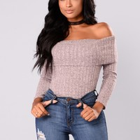 Paulina Off Shoulder Top - Dusty Mauve