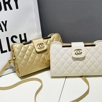 Chanel Trending Women Metal Logo Handbags Shoulder Bag  Shoulder Bag Crossbag I