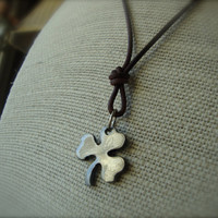 Niall Horan's Three Leaf Clover Necklace - Niall's Lucky Three Leaf Clover - ONE DIRECTION - uk Boy Band 1D Directioner Unisex