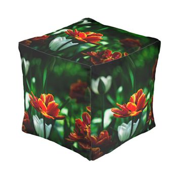 Red Tulip - His Majesty the King Pouf