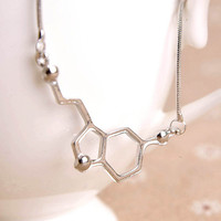 1PCS Serotonin Molecule Necklace Chemical Formula 5-HT Necklace Hormone Molecules DNA Necklace Nurse Jewelry 2017 Newest Design