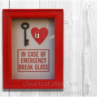 Key to My Heart - In Case of Emergency - Love sign, love you more, gift for boyfriend, gift for girlfriend, keyhole, rusteam, be mine