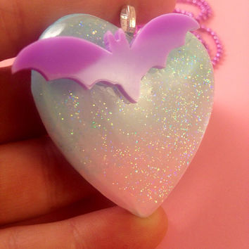 Pastel Goth Ombré Bat Heart Pendant Soft Pastel Fade Glitter Heart Necklace Pin Up Gothic Girl Creepy Cute Spooky