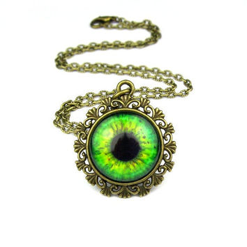 Green Eye Pendant: ABSINTHE
