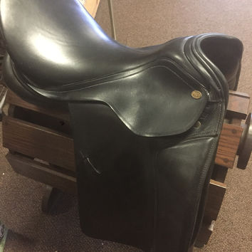 "18"" Pfiff Dressage Saddle Friesen 33"