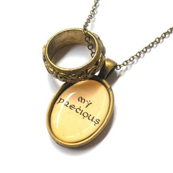 The Lord Of The Rings / Hobbit: My Precious pendant with ring charm necklace