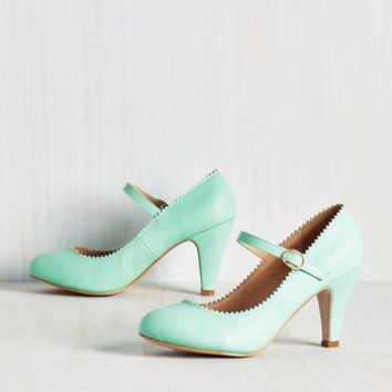 Romantic Revival Heel in Mint