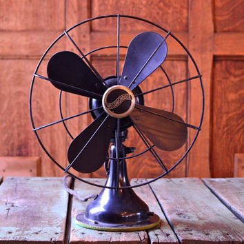 Vintage Desk Fan WORKS, 1930s Westinghouse Fan, Small Vintage Fan