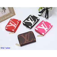 Louis vuitton is a hot seller of fashionable lady's printed small purse and clutch bag