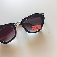 NWT Betsey Johnson Black Frame Designer Sunglasses