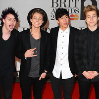 5SOS at the Brits