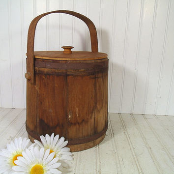 Vintage Rustic Primitive Wooden Large Sugar Bucket - Retro Basketville Putney Vermont Collectible - Aged Wood Round Handled Basket with Lid