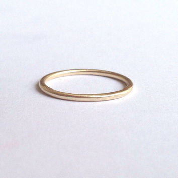 Gold Halo Ring Round Wedding Band 1 5mm Thin Men S Women