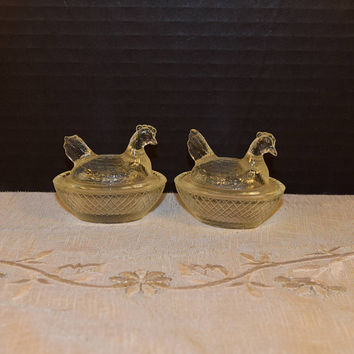 Chicken on a Nest Salt Cellars Pair Vintage 2 Pressed Clear Glass Hen on a Nest Salt Dishes Miniature Clear Glass Nesting Hens set of 2