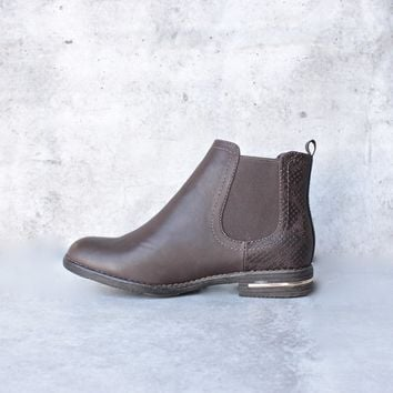 chelsea ankle boot - brown
