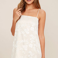 World of Wonder Ivory Jacquard Shift Dress