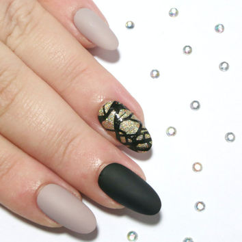Fake Nails - Matte Nails - Press On Nails - Acrylic Nails - 24 Oval False Nails - Glue On Nails Nude, Black, Gold Glitter Accent Nail Art
