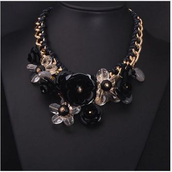 BEADY FLORAL CHOKER NECKLACE - BLACK