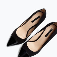 Pointed court shoe