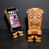 Wood Tiki Decor Retro Smart Phone Stand Docking Station iPhone Dock - Universal, iPhone 6, iPhone Plus, iPhone 5, Samsung Galaxy S5 S4