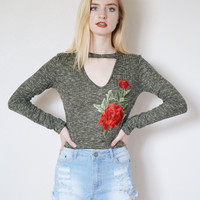 Nicole Floral Embroidered Knit Top (Olive)