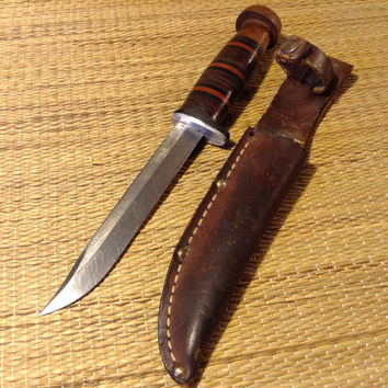 Sanssouci  Knife with Sheath - Beautiful Handle, nice condition, Marked Sanssouci D.R. inside a diamond